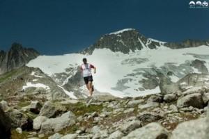 Rober Kampczyk beim Tail-Lauf im Gebirge