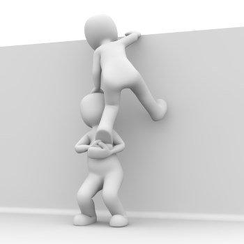 Dein Trainingspartner hilft Dir über jedes Hindernis