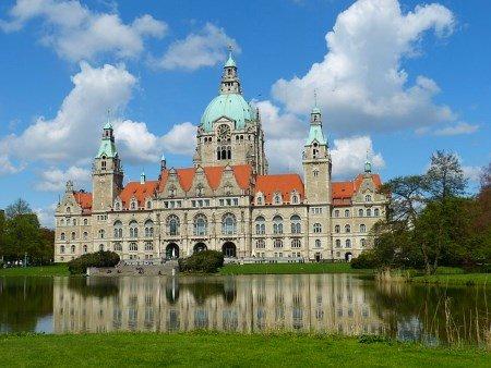 Laufevents Zieleinlauf Marathon Hannover neues Rathaus
