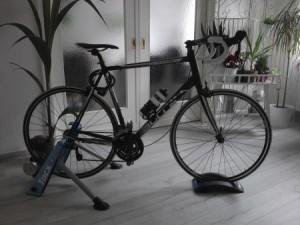 Dank Rollentrainer ist mein Rennrad auch im WInter und bei schlechtem Wetter einsatzbereit