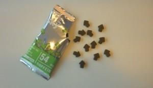 Die grünen Koffein Gummibärchen von Up to the Sky haben 54mg Koffein pro Packung