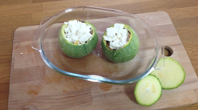 Gefuellte runde Zucchini