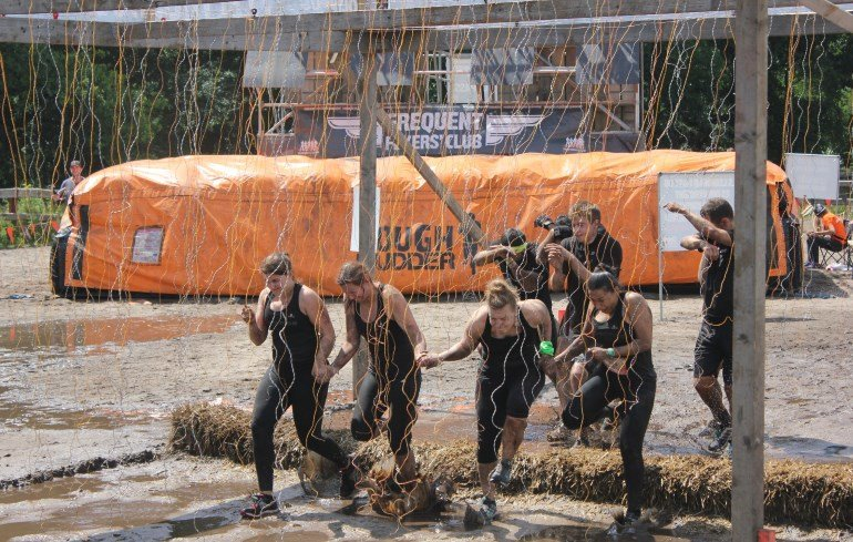 Frequent Flyers Clug und Electroshock Therapy Tough Mudder Nord 2016 Fitvolution