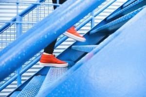Mehr Bewegung im Alltag - öfter mal die Treppe nehmen