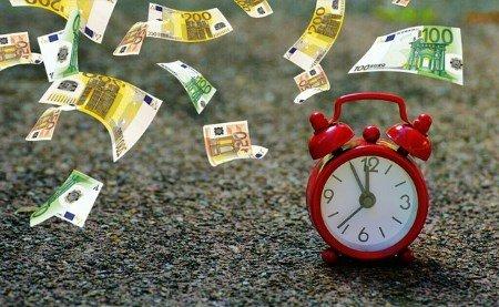 Zeit ist Geld und von beidem kannst Du durch eine Fitnessstudio Kündigung eine Menge sparen